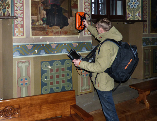 VIY3-700 MHz GPR in einer Kirche